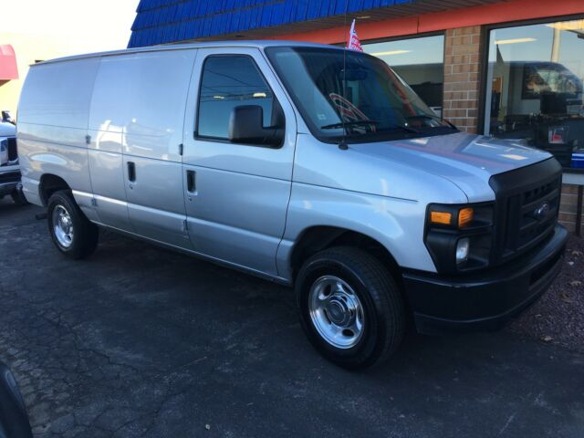 Image 1 of Ford: E-Series Van E-150…