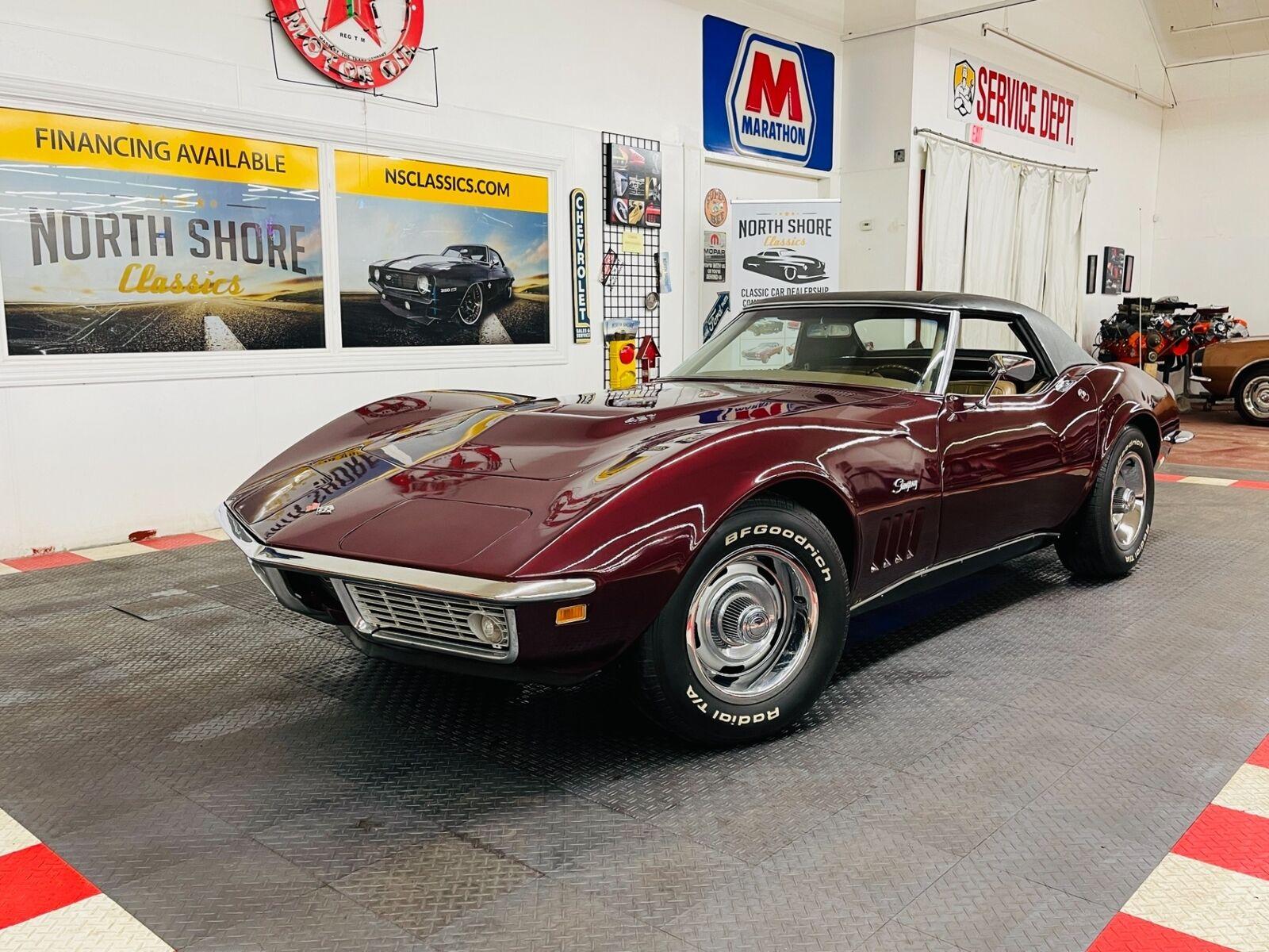 1968 Burgundy Chevrolet Corvette   | C3 Corvette Photo 2