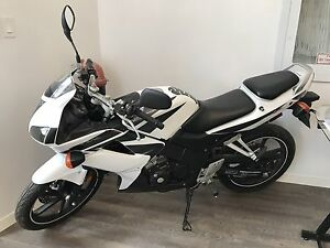 08 Honda Motorcycle 125R like New