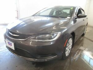 2015 Chrysler 200 LX- ONLY 66K! BLUETOOTH! PUSH-BUTTON START!