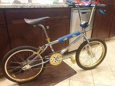 Old School NOS SCHWINN PREDATOR 16 X 2.125 blue comp 3 tires pit bmx bike pair