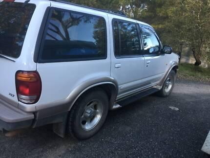 Ford explorer cars vans utes gumtree australia melbourne city ford explorer xlt 4x4 2000 auto excellent cond fandeluxe Image collections