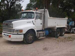 FORD 6 WHEELER TIPPER TRUCK Hocking Wanneroo Area Preview