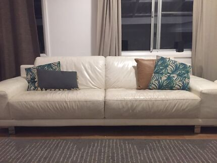 White leather 3 seater lounge/couch/sofa