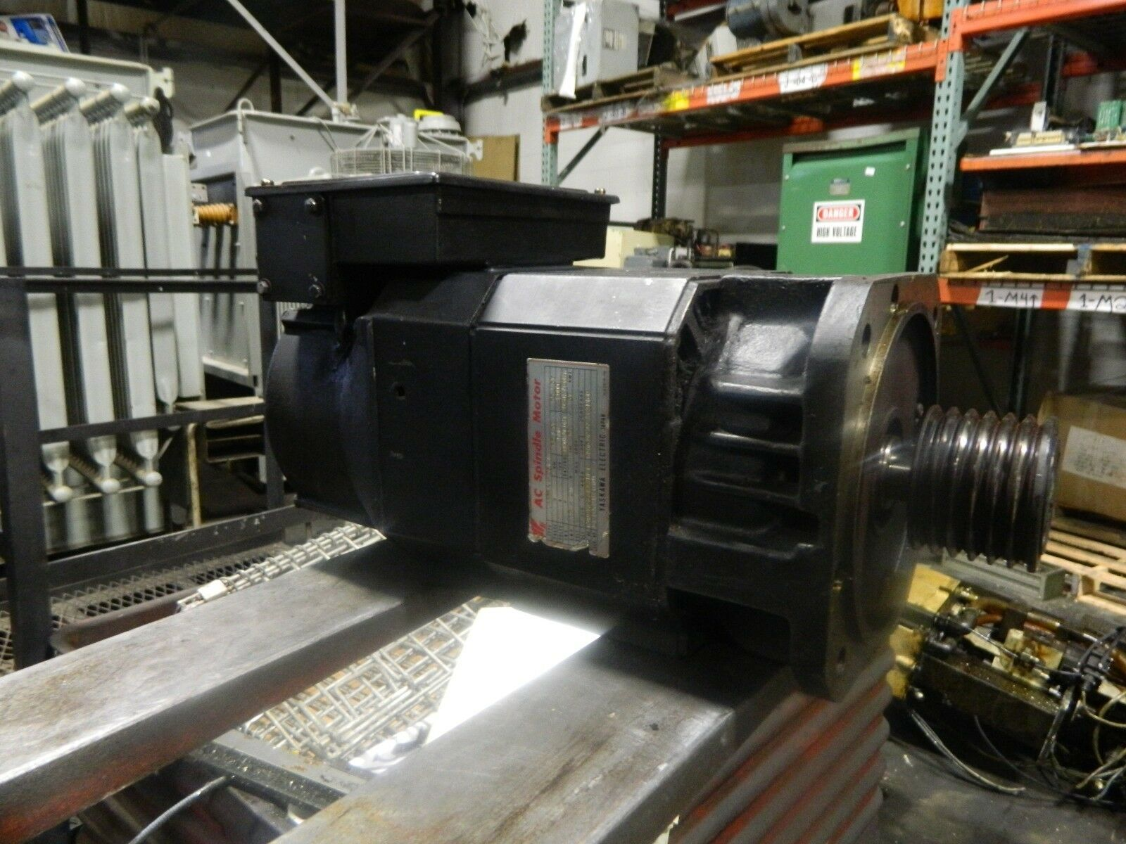 Yaskawa AC Spindle Drive Motor, UAASKA-06CA1, 1500/8000 RPM Hurco Bmc-20, USED