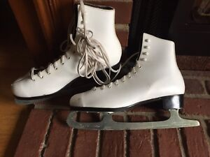 Women's figure skates size 10