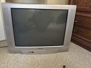 "Toshiba 32"" tube tv"