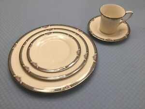 Noritake China, Halifax pattern
