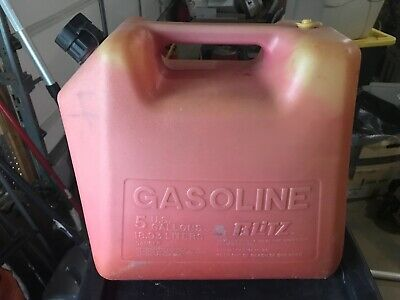 Vintage Pre Ban Blitz 5 Gallon Vented Plastic Gas Can With Pull Out Spout