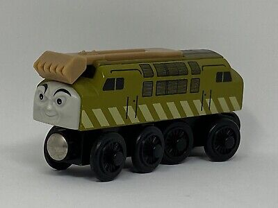 Thomas The Train Wooden Railway Green Diesel 10 Engine. 2003 Very Good Condition