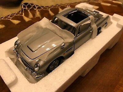 Danbury Mint 1:24 | BRAND NEW | Aston Martin DB5 | James Bond 007 | Goldfinger