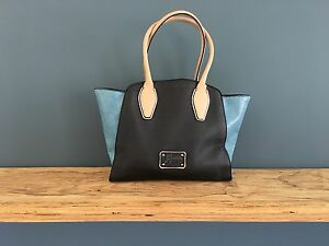Guess Handbag BARELY USED! Nollamara Stirling Area Preview