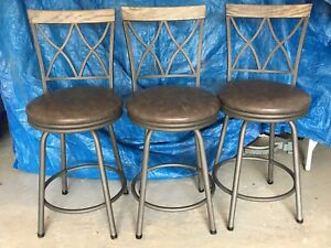 3 counter top bar stools