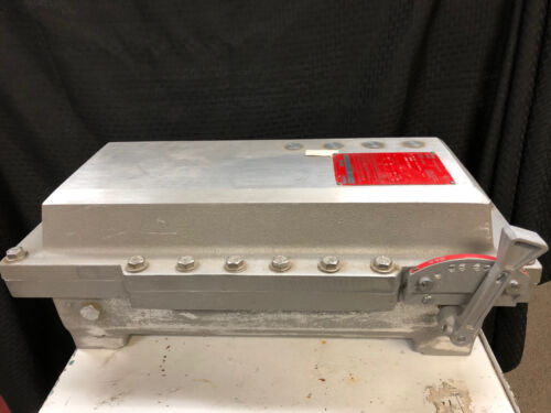 CROUSE-HINDS EBM FUSED HEAVY DUTY HAZARDOUS LOCATION DISCONNECT SWITCH - USED