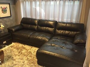 x2 leather lounges - 2 & 3 seater set Varsity Lakes Gold Coast South Preview