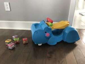 Trotteur - marcheur Fisher Price/walker -ride-on