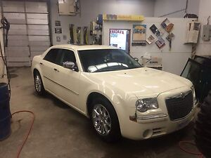2010 Chrysler 300 limited edition
