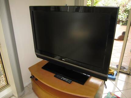 LG 42LC2D T.V.