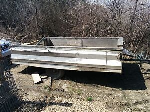 10ft trailer and 4 rolls of fence