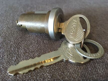 Ford Falcon XR XT NOS boot lock cylinder and keys******1967 1968