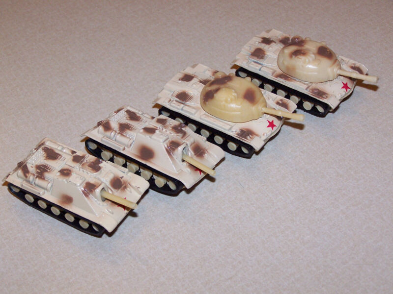 AMERICAN FLYER TANK AND MOBILE MORTAR   SET OF FOUR