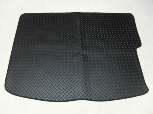 Lexus IS200 1999-2005 Fully Tailored Deluxe Rubber Boot Mat in Black