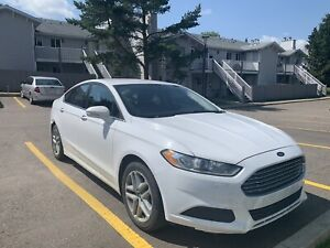 2014 Ford Fusion SE FWD 130000+ Kms
