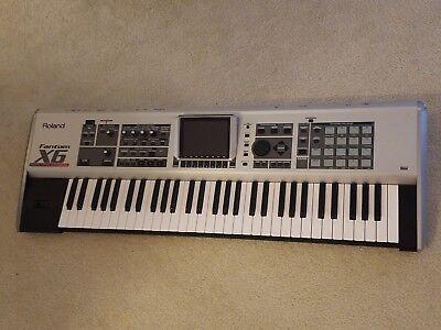 Roland Fantom-X6 Keyboard Synthesizer w/ gig bag