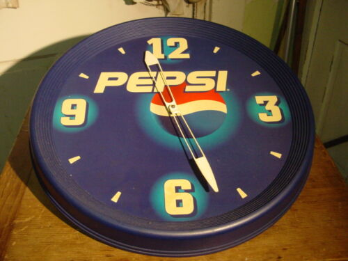 VINTAGE PEPSI COLA BATTERY POWERED WALL CLOCK WORKING WELL