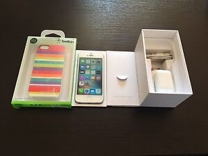 iPhone 5 32GB + Accessories Braddon North Canberra Preview