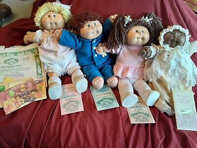 Vintage 84' and 85' Cabbage Patch Kids W/Papers ❤ 1 Boy & 3 Girls.