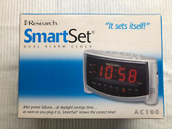 SmartSet Dual Alarm Clock by Emerson Research AC100 - Atomic Setting Clock NEW
