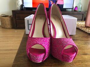 Cute Pink woman's Heels SIZE 8
