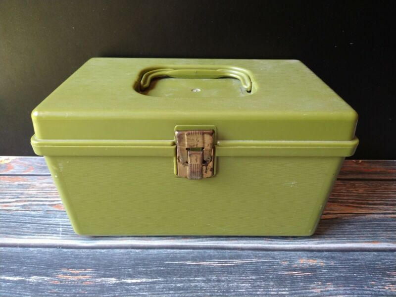 Vintage Wil-Hold Wilson Pea Green Sewing Kit Box Basket With Contents Handle