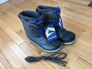 NEW Boys Winter Boots (Acton)  size 5