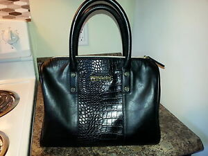 Large Kenneth Cole Reaction Purse.