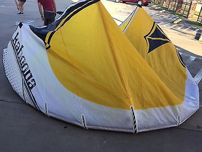 Best Kahoona 13.5m Kiteboarding kite with bag, good shape with all new bladders