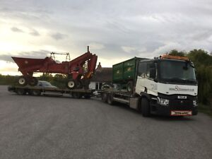 Agricultural machinery transport, tractor transport, plant transport