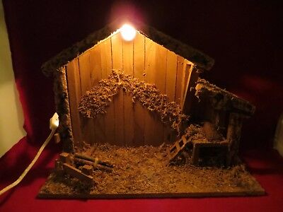 Christmas Nativity Manger  Lighted Stable Wooden Empty 15 x 12  Nice Detail