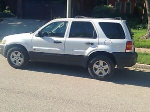 2006 Ford Escape 4wd. Safety. Needs nothing.