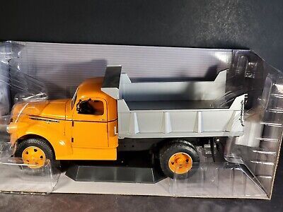 Fairfield Mint 1946 GMC Orange Dump Truck 1:16 Scale Diecast DCP Highway 61