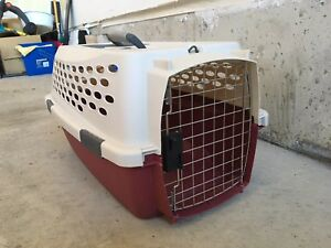 Pet kennel for dog or cat - excellent condition
