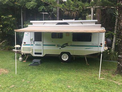 Scenic caravan off-road pop top