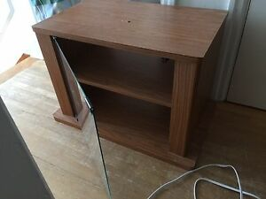 Free free small tv stand &a gaming chair curb side