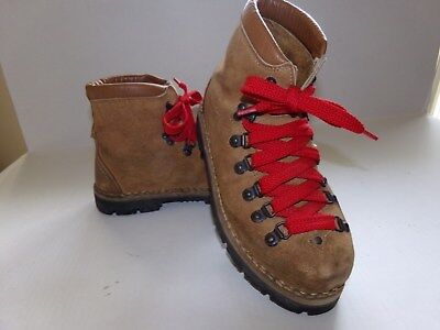 51fa335544f2d Mountaineering Hiking Boots - 2 - Trainers4Me
