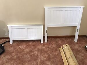 White timber single bed frame Clemton Park Canterbury Area Preview