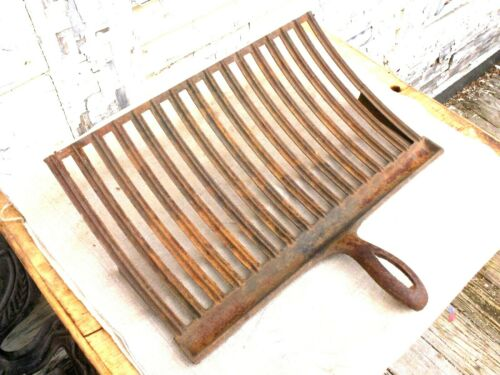 Vintage Cast Iron Hearth Grill, 19th C