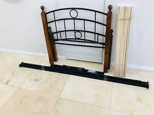EXCELLENT NEW CONDITION SINGLE BED FRAME PLUS FREE DELIVERY-$49