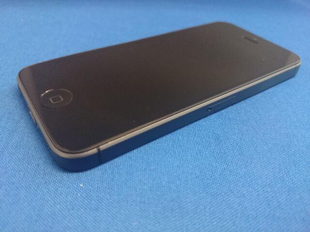 Apple iPhone 5 - 16GB - Black & Slate (UNLOCKED) Used Mobile Phone - (GRADE A)