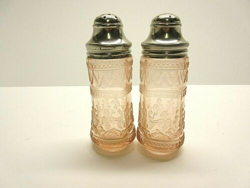 Exquisite Vintage Pair Pink Patrician Shakers / Federal Glass Co